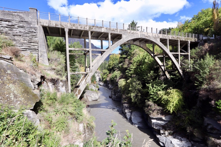 Edith Cavell Bridge